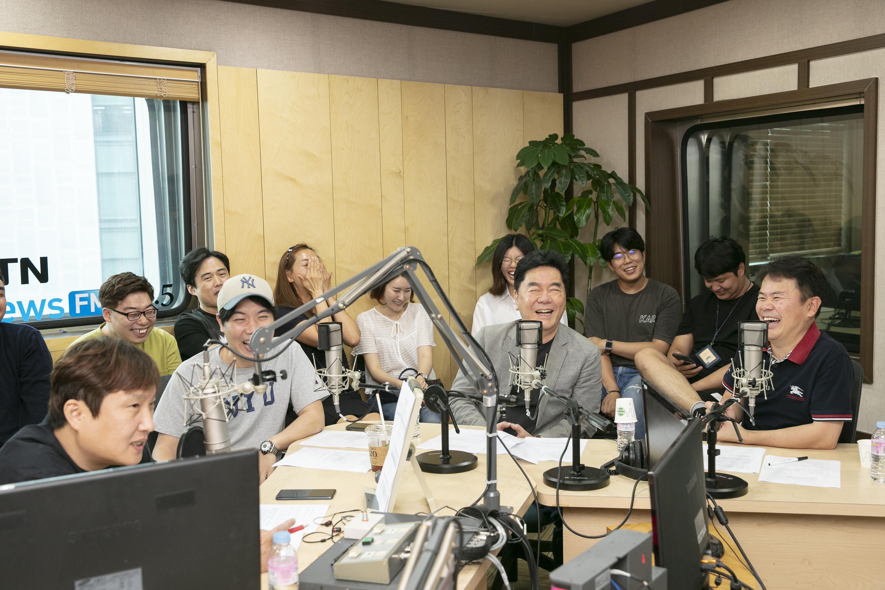 [와찾사] 시그맨 3인방 & 라디오 청취자들